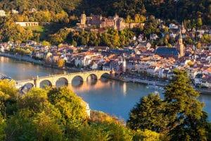 Ist ein Fach- oder ein Rechtsanwalt in Heidelberg für Arbeitsrecht oder andere Rechtsgebiete der besser Ansprechpartner?