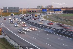 Reisekosten adé? Arbeitnehmer können gewisse Fahrtkosten steuerlich absetzen.
