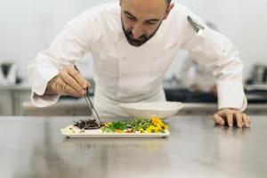 Besonders oft werden Saisonkräfte in der Gastronomie eingesetzt.