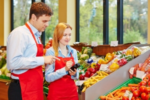 Sozialversicherungspflichtig: Ab wann Angestellte betroffen sind, ist auch von der Art der Beschäftigung abhängig.
