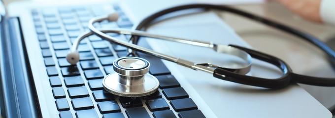 Arbeiten Sie in Teilzeit? Bezüglich der Krankenversicherung gibt es einiges zu beachten. Erfahren Sie mehr im folgenden Ratgeber.
