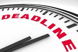 Für den Antrag auf einen Teilzeitjob im Rahmen der Familienpflegezeit gibt es Fristen.