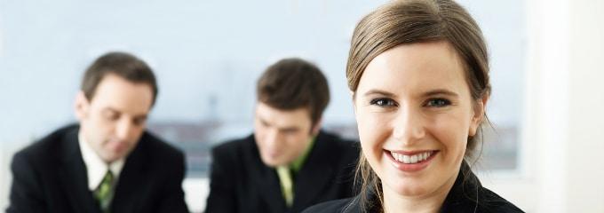 Für viele Beschäftigte geht ein Traum in Erfüllung, wenn ihnen ein unbefristeter Arbeitsvertrag nach vorheriger Befristung angeboten wird.