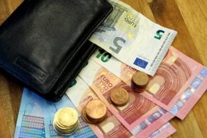 Unbezahlter Urlaub: Die Berechnung des Gehalts kann mit einer Formel erfolgen.
