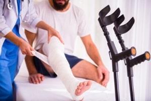 Unfall auf einer Betriebsveranstaltung: Unfallversicherung will nicht zahlen.