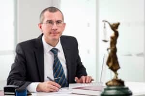Zweifeln Sie an der Rechtmäßigkeit der Videoüberwachung am Arbeitsplatz? Ein Anwalt steht Ihnen beratend zur Seite.