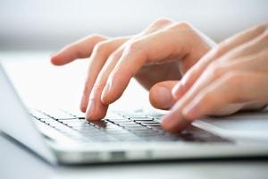 Was es bedeutet, eine Kurzbewerbung zu schreiben? Alle wichtigen Infos müssen auf einen Blick wahrgenommen werden können.
