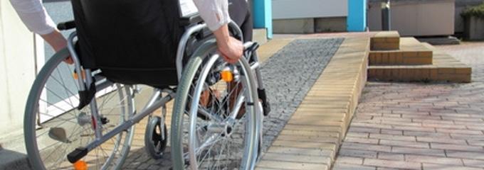 Laut Gesetz muss Arbeitnehmern ein Zusatzurlaub bei einer Schwerbehinderung gewährt werden.