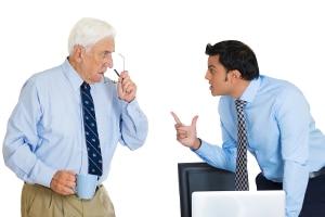 Ein Zwischenzeugnis bietet sich bei einem Vorgesetztenwechsel für den Fall an, dass Sie sich mit dem neuen Chef nicht verstehen.